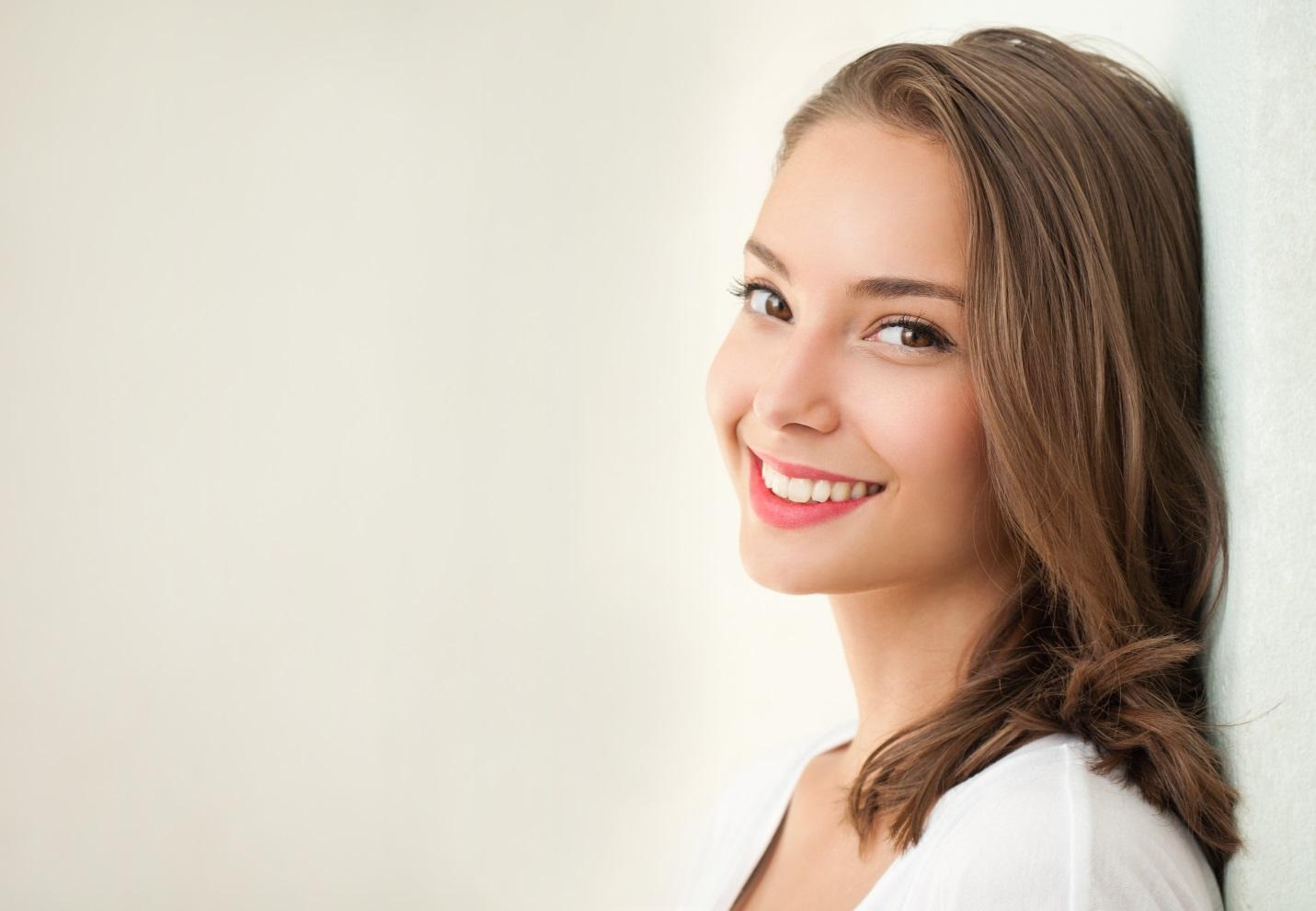 Rahasia Mencerahkan Kulit Wajah dan Tubuh dengan Efektif Biar Makin Percaya Diri. Penasaran?