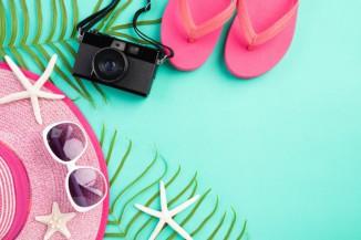 Biar Tetap Glowing Beauty, Ini 7 Essential Kit yang Wajib Kamu Bawa Saat Liburan