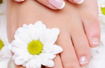 DIY: Manicure & Pedicure